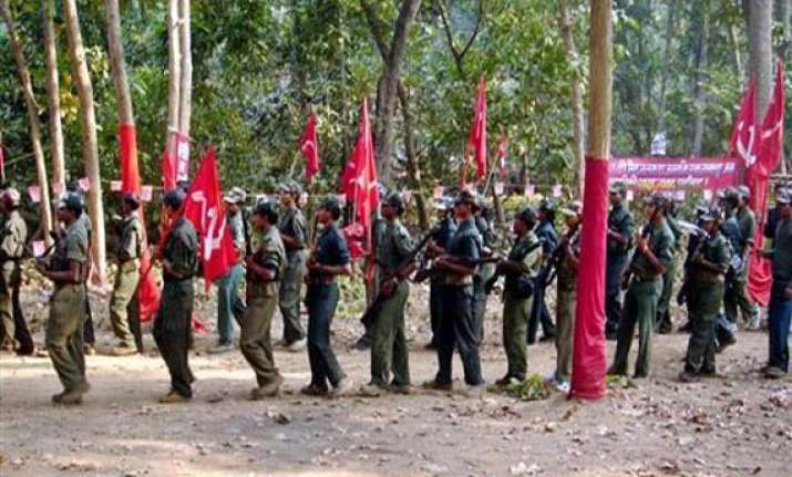 maoists extend support to ramdev
