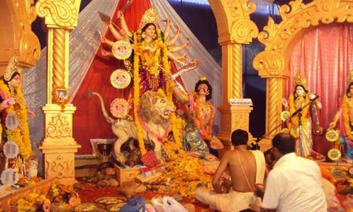 markets remain close for durgotsav in kolkata