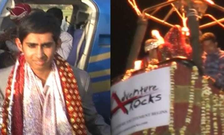 mathura village witnesses wedding inside a hot air balloon