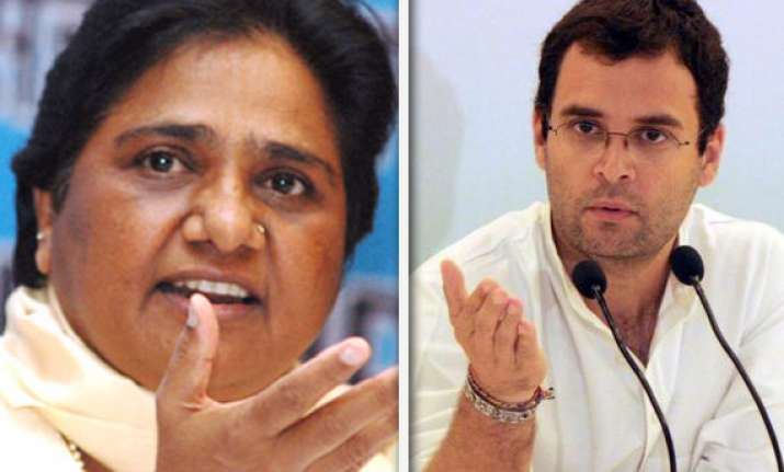 mayawati asks rahul to stop enacting drama for vote bank