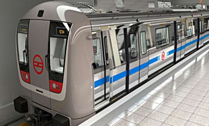 metro will run upto noida golf course from oct 12 to 14