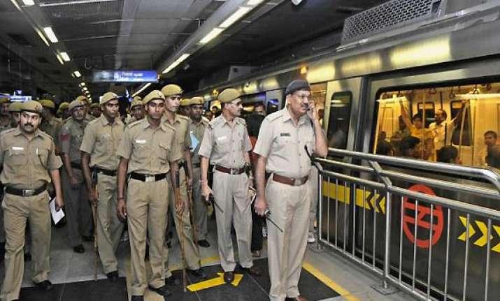 minor fire at delhi s rajiv chowk metro station