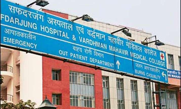minor fire in delhi s safdarjung hospital