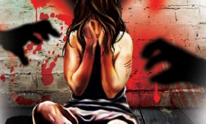 minor raped by neighbour in delhi