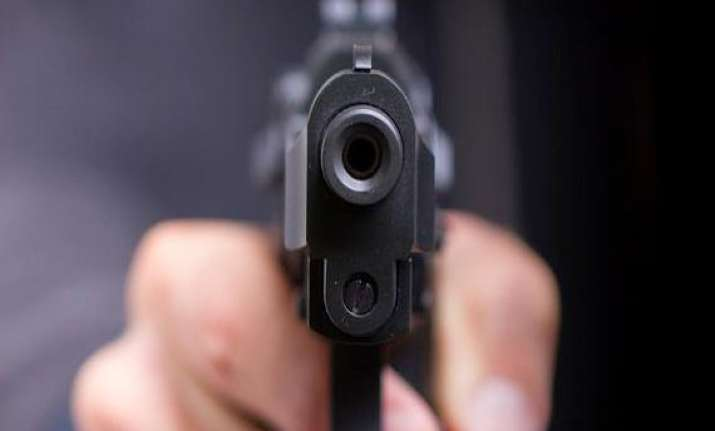 miscreants fire at police kill one constable in firozabad