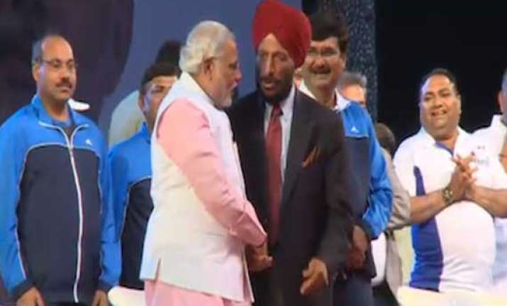 modi milkha singh flag off night marathon in surat