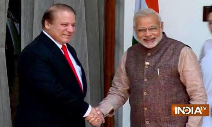 narendra modi holds talks with sharif raises terror 26/11