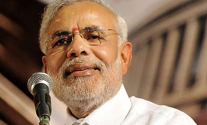 modi cautions hazare you may be villified for praising me