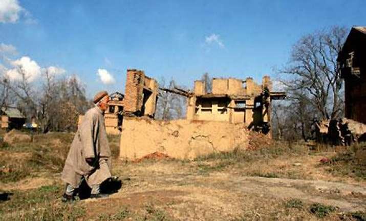 more jammu villagers abandon homes after pakistan shelling
