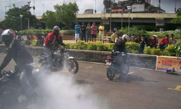 more than 500 bikers booked in mumbai during night checking