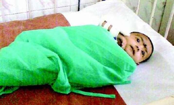 mother abandons baby girl in jj hospital