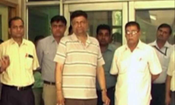 motor licensing officers in delhi go on strike after attack