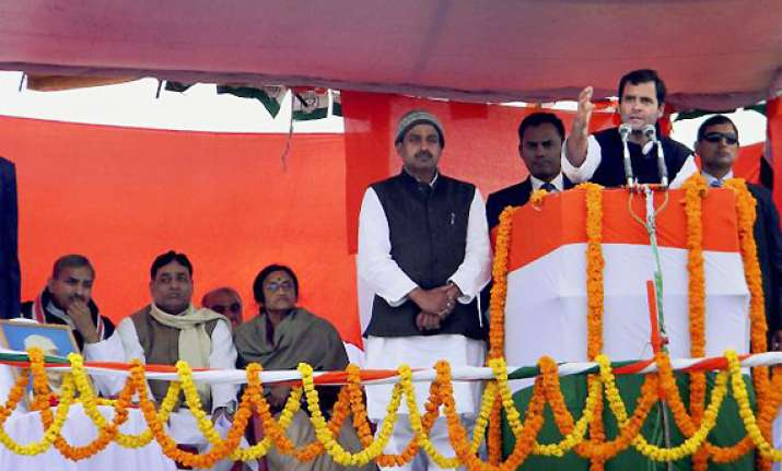 mulayam eager on tie up with cong says rahul