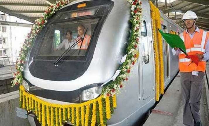 mumbai metro may start soon as rinfra allowed to fix fares