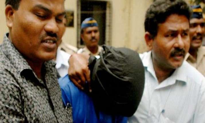 mumbai gangrape main accused qasim bangali was a police