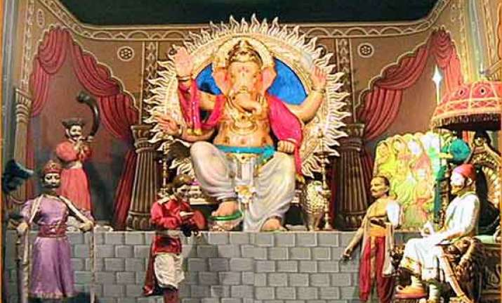 mumbai glitters as it welcomes lord ganesh