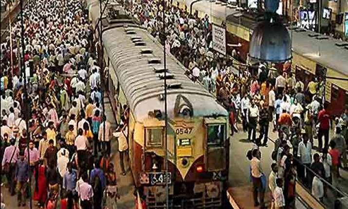 mumbai local train service disrupted