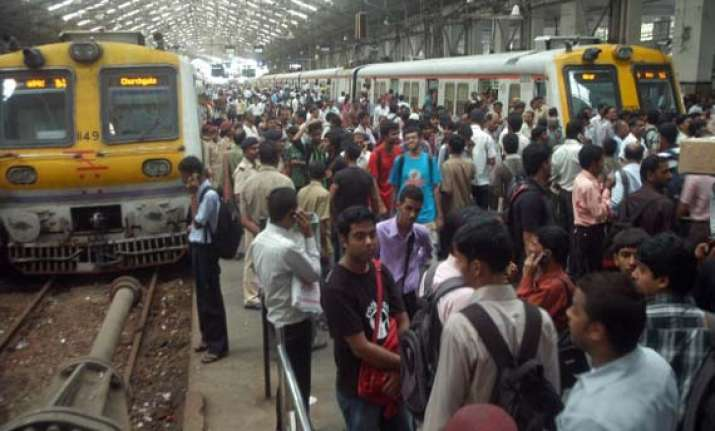 mumbai peaceful on second day of shutdown