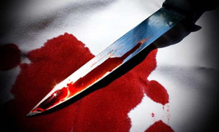 mumbai pizza delivery boy tries to rape woman stabs her in