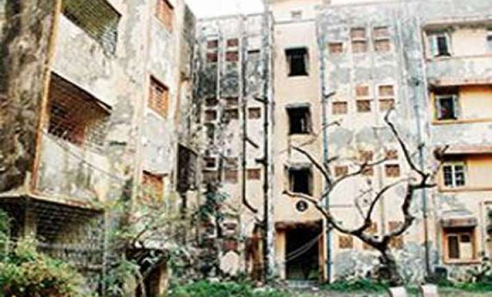 mumbai s ghost buildings serving as hideouts for junkies