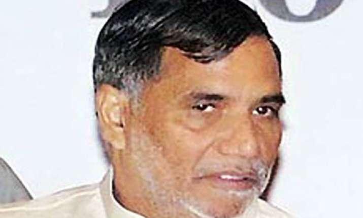 mumbai congress chief to be replaced soon