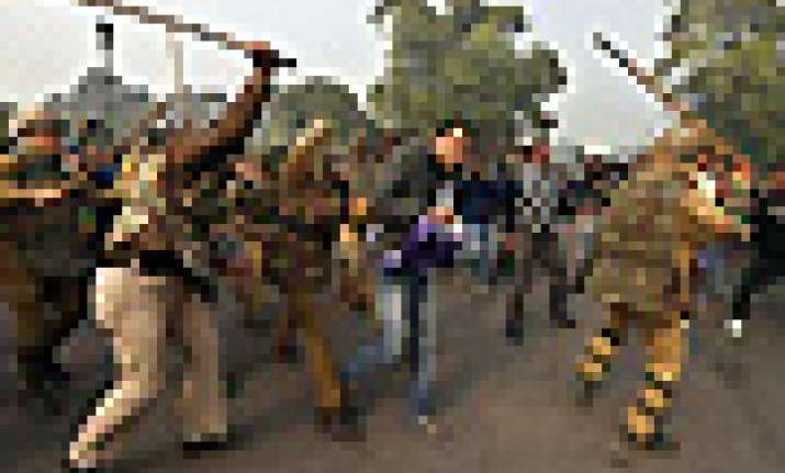 nba condemns police action on media at india gate