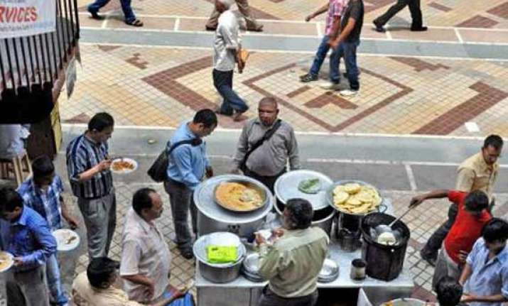ndmc tables draft policy to regulate street vendors
