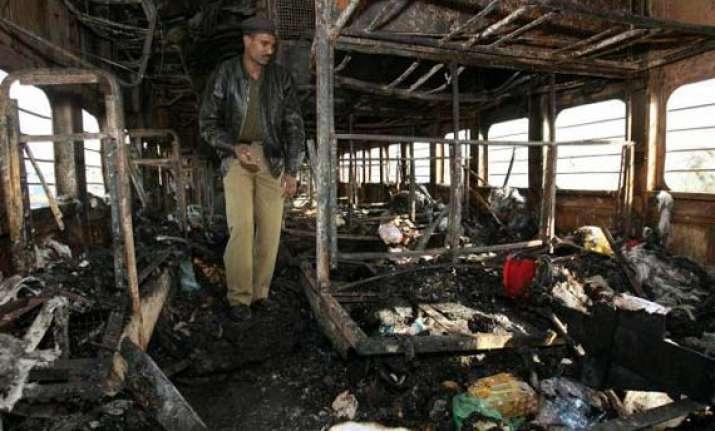 nia to probe samjhauta bomb suspect s hand in mecca blast
