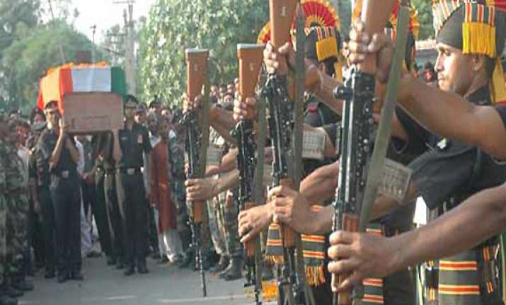 names of martyred indian army jawans near loc