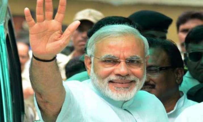 narendra modi applauds doctors on doctor s day