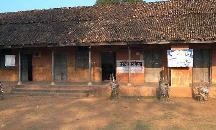 naxals planting ieds near polling booths in chhattisgarh