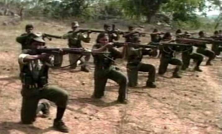 naxals kill police officer in chhattisgarh