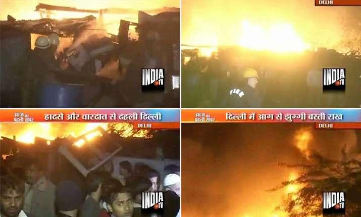 nearly 500 slum dwellings gutted in delhi fire