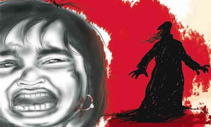 neighbour arrested for raping 5 year old in delhi