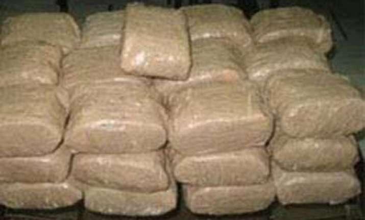 nepali national arrested 7 kg charas seized in delhi