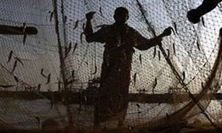 nine tn fishermen abducted by lankan navy personnel