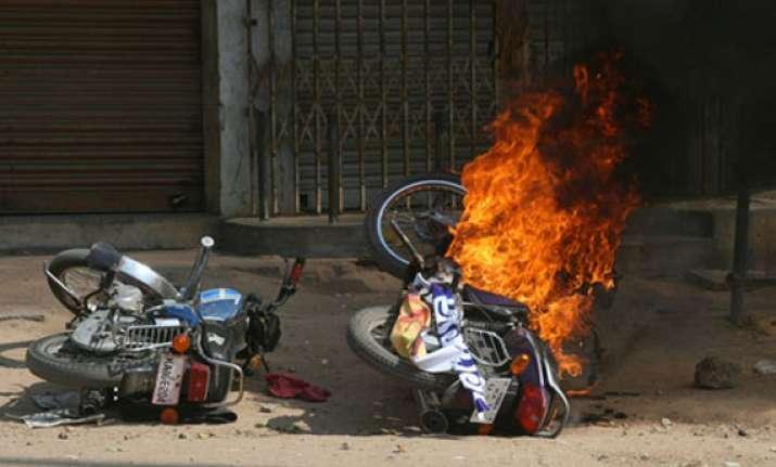 nine injured in communal flare up in damnagar