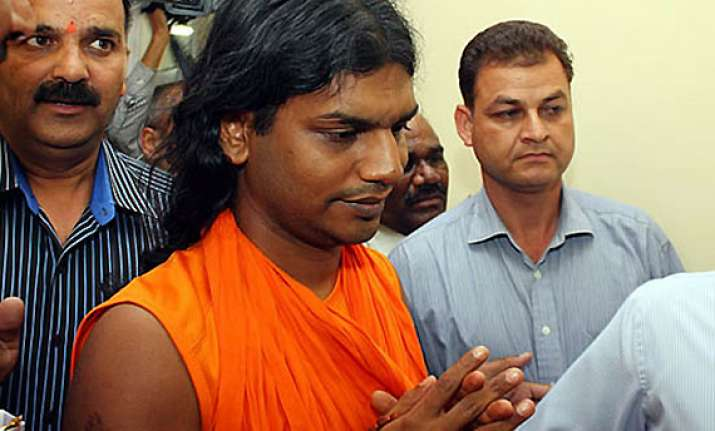 nithyananda files criminal complaint against sun tv coo