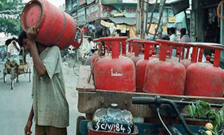 no subsidised lpg cylinders for mid day meal programme