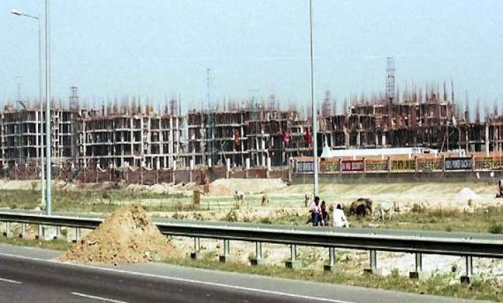 noida flat buyers entitled to get full refund with interest