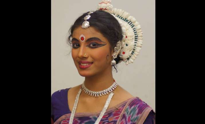 noida schoolgirl shambhawi to perform at konark dance