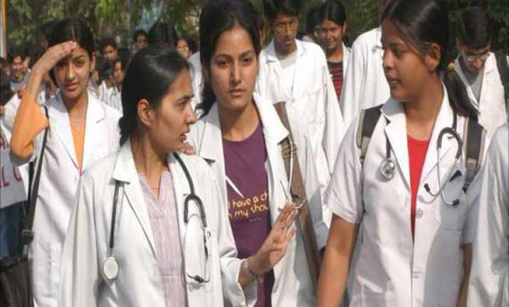 notices to 316 students who cleared pmt exams by unfair