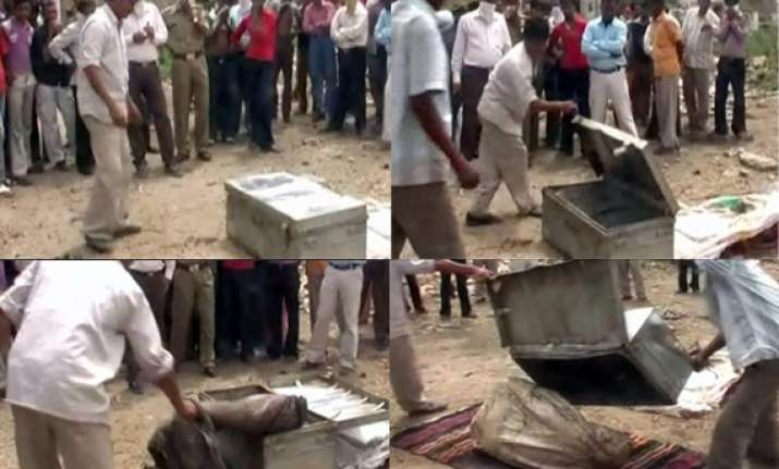 nude body of woman lands in a courier godown in ajmer