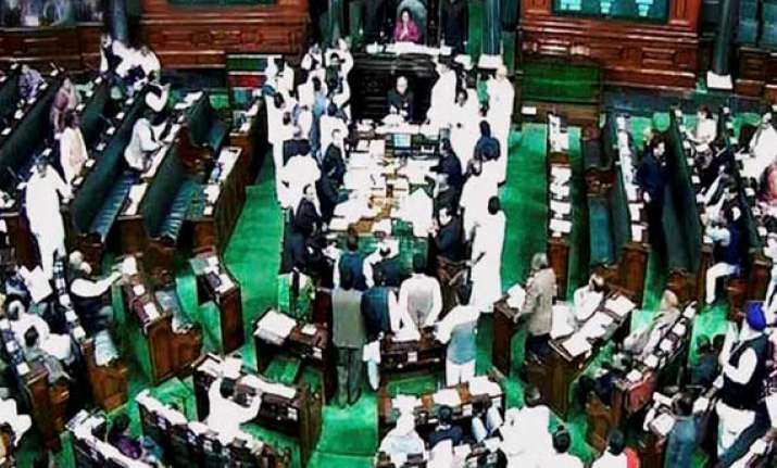 number of women elected to lok sabha less than 2009