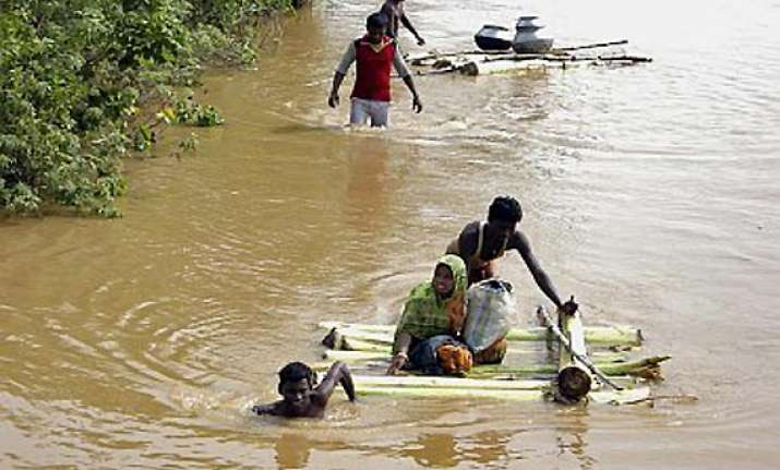 odisha flood situation grim lakhs marooned toll 6