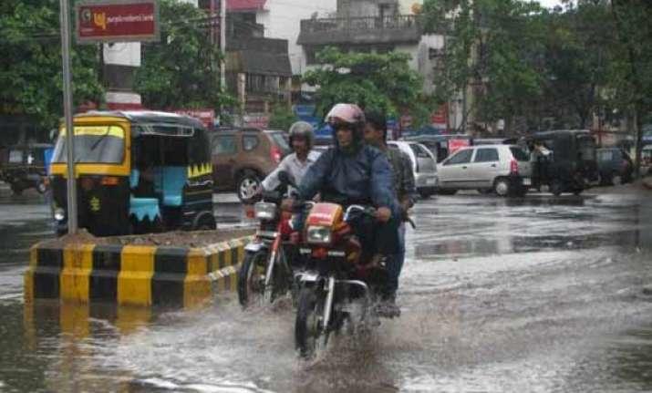 odisha rain government alerts districts