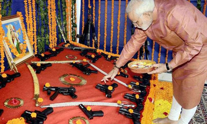 on vijaya dashami modi performs shastra pooja with policemen