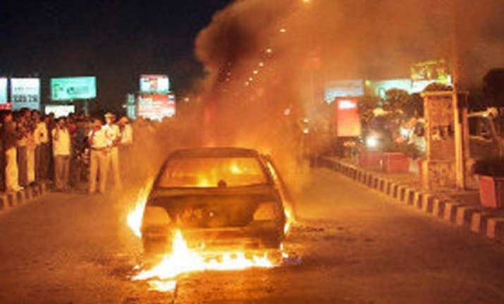 one burnt alive as car catches fire