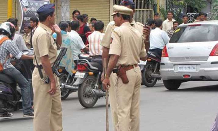 one injured in firing at pune bangalore highway toll booth