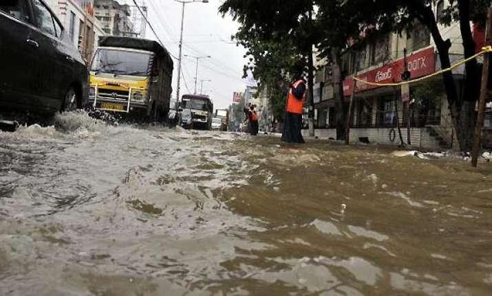 one killed as incessant rains lash hyderabad
